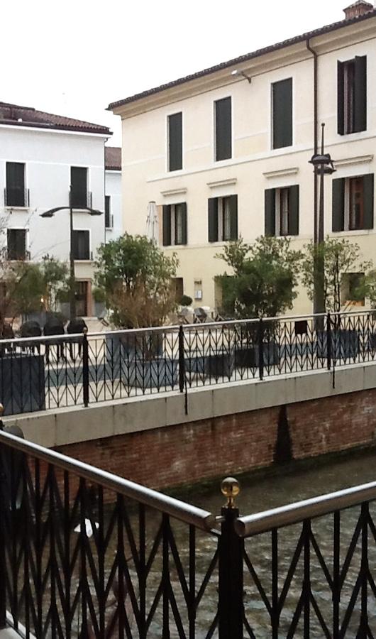 Universita' di Treviso balconi in marmo