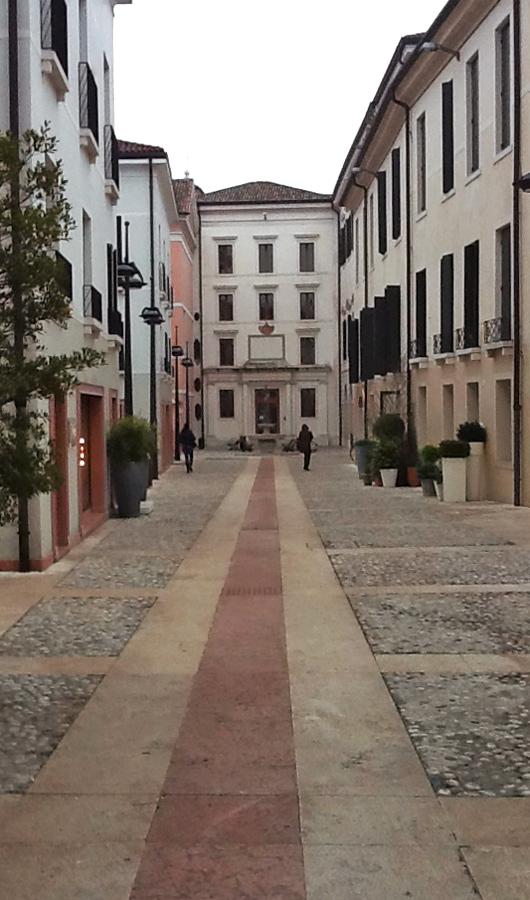 Universita' di Treviso pavimentazioni esterne